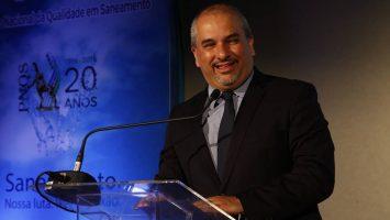 Presidente da ABES, Roberval Tavares de Souza, anuncia novidades para o PNQS, que passa a ser anual.   Foto: Adriano Lima/Casa Nova Produções